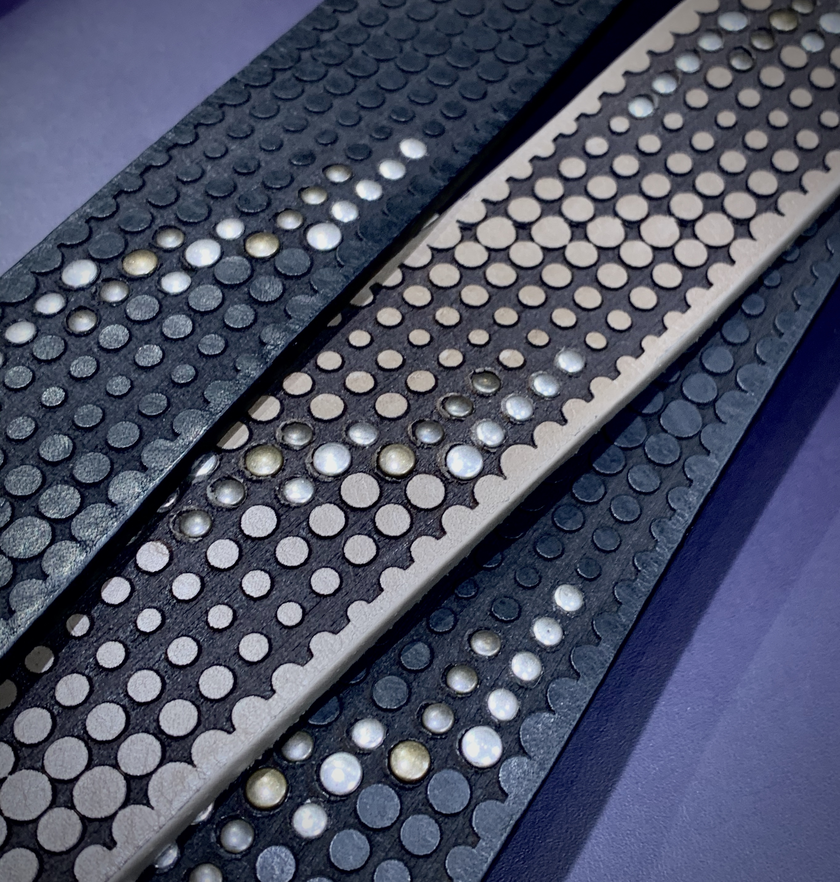 CLYDE STUDDED STRAP 40mm